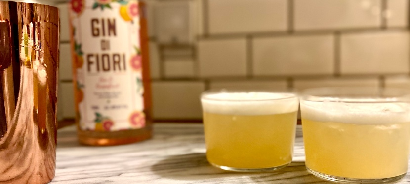 Honeybee Sour — A Version of the Bee's Knees GinCocktail