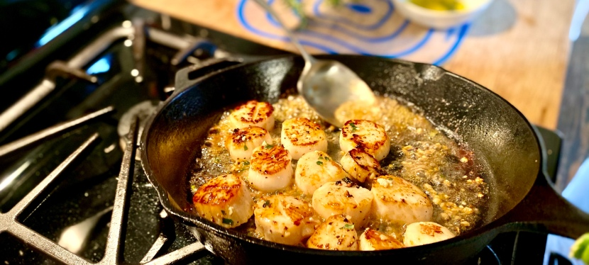 Perfect Herbed Scallops with Butter andGarlic