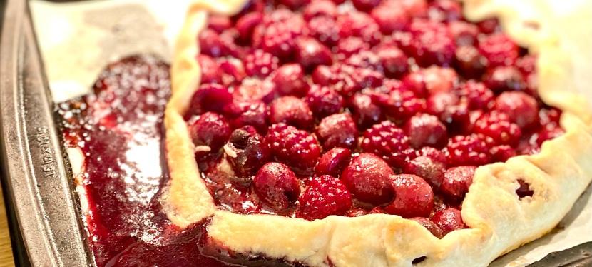 Cherry-blackberry lazy galette